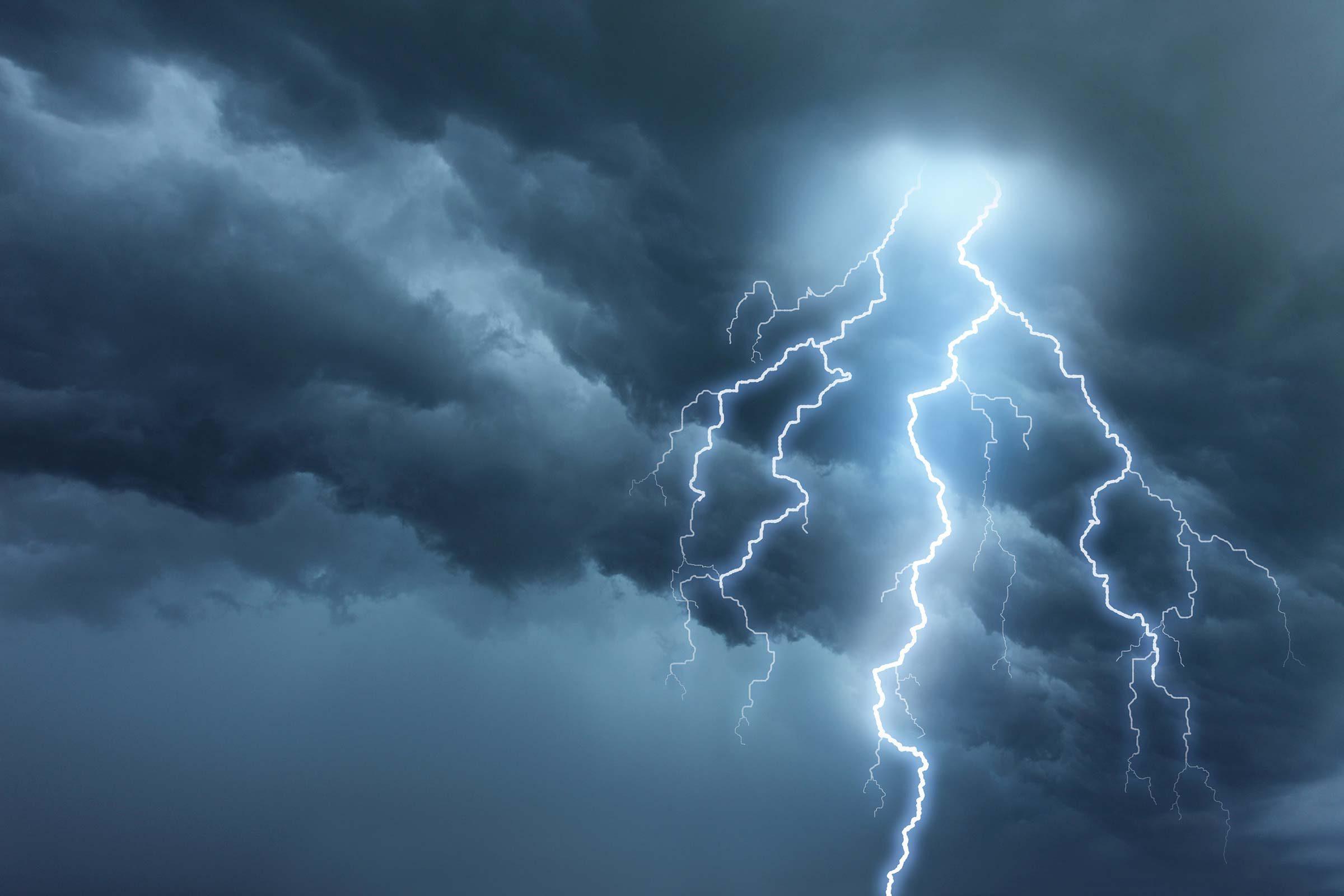 6 Weird Facts About Lightning Strikes Reader 39 S Digest