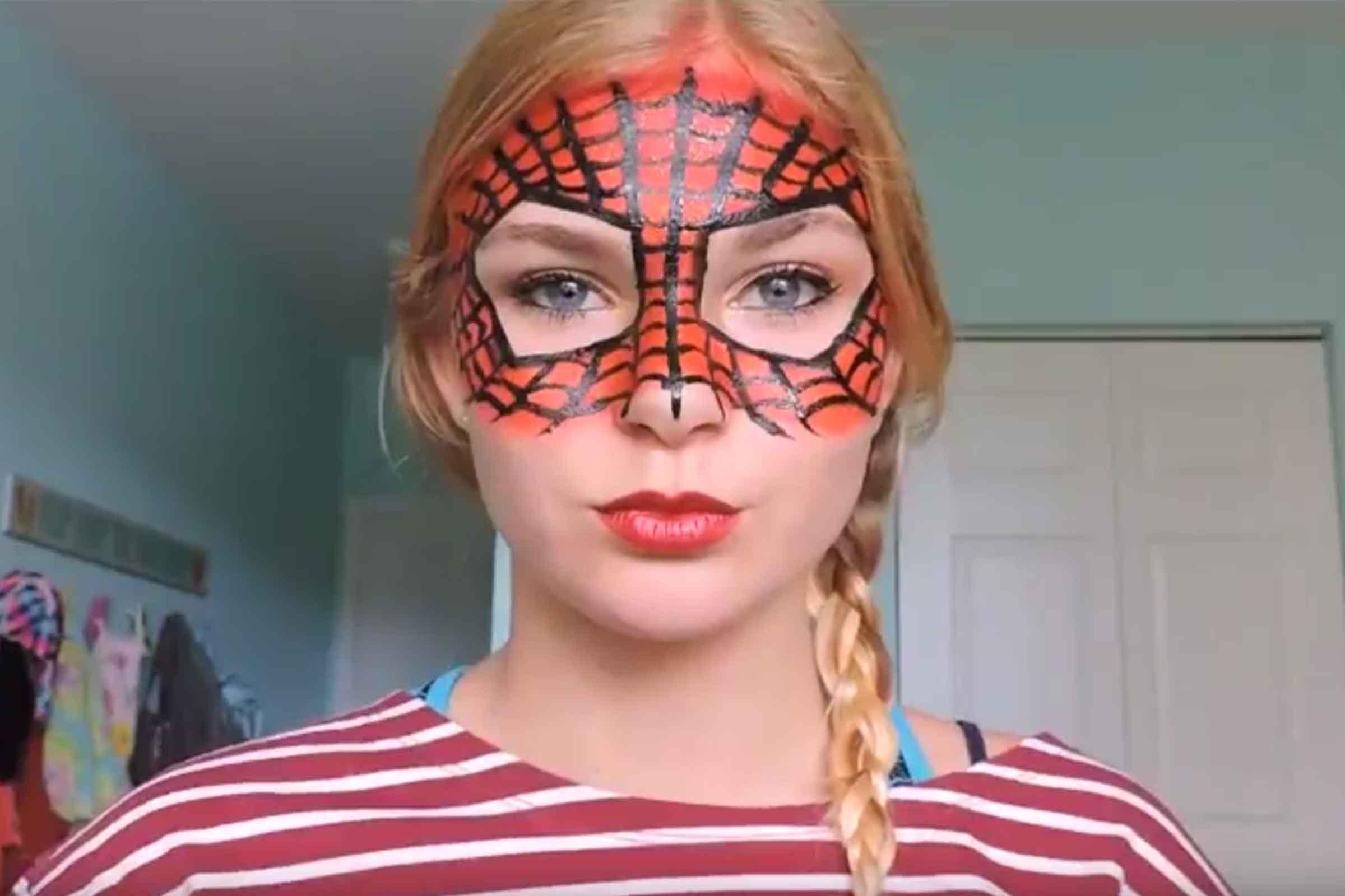 Easy Halloween Makeup Ideas | Reader\'s Digest