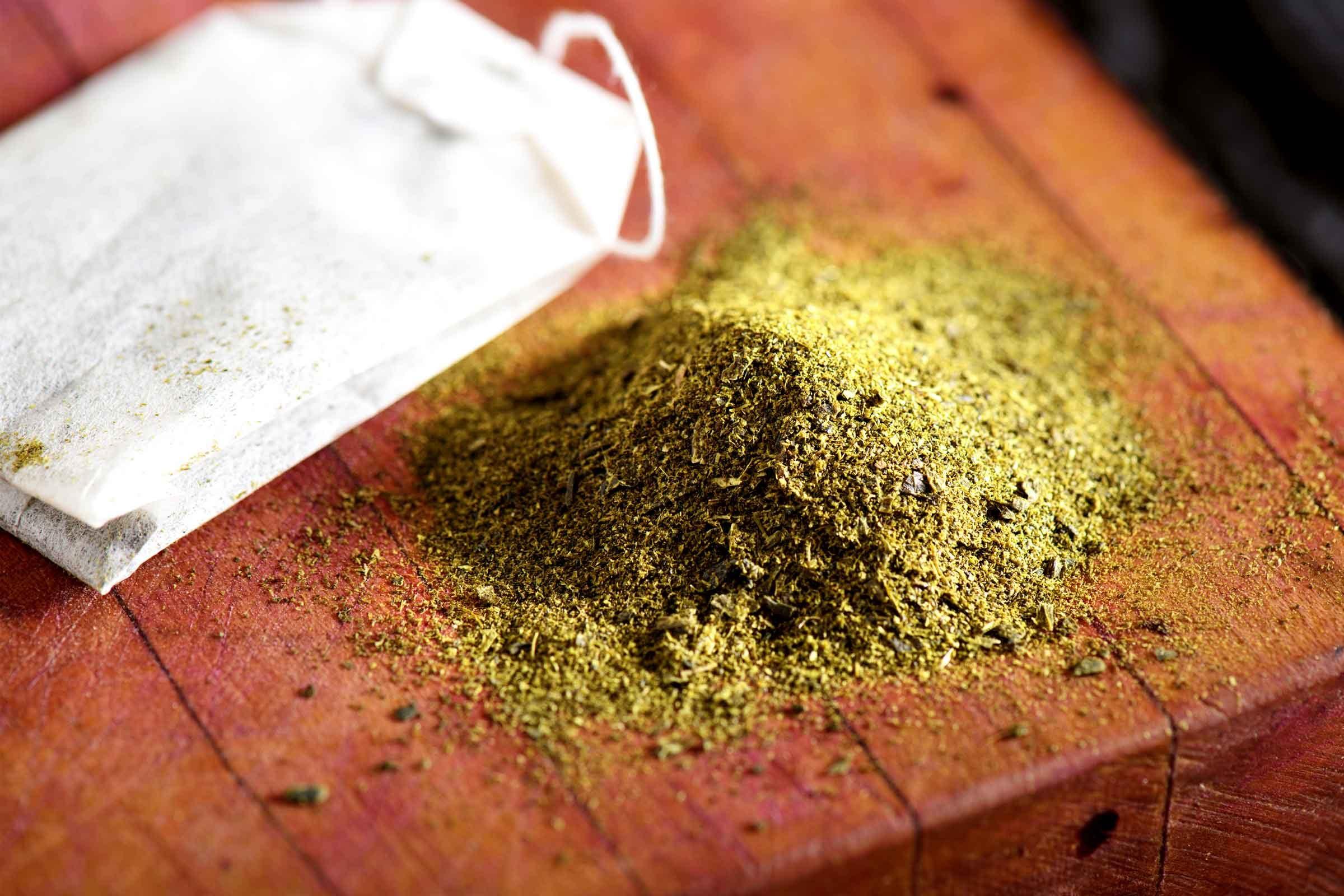 Jak léčit černé tečky: Zelený čaj