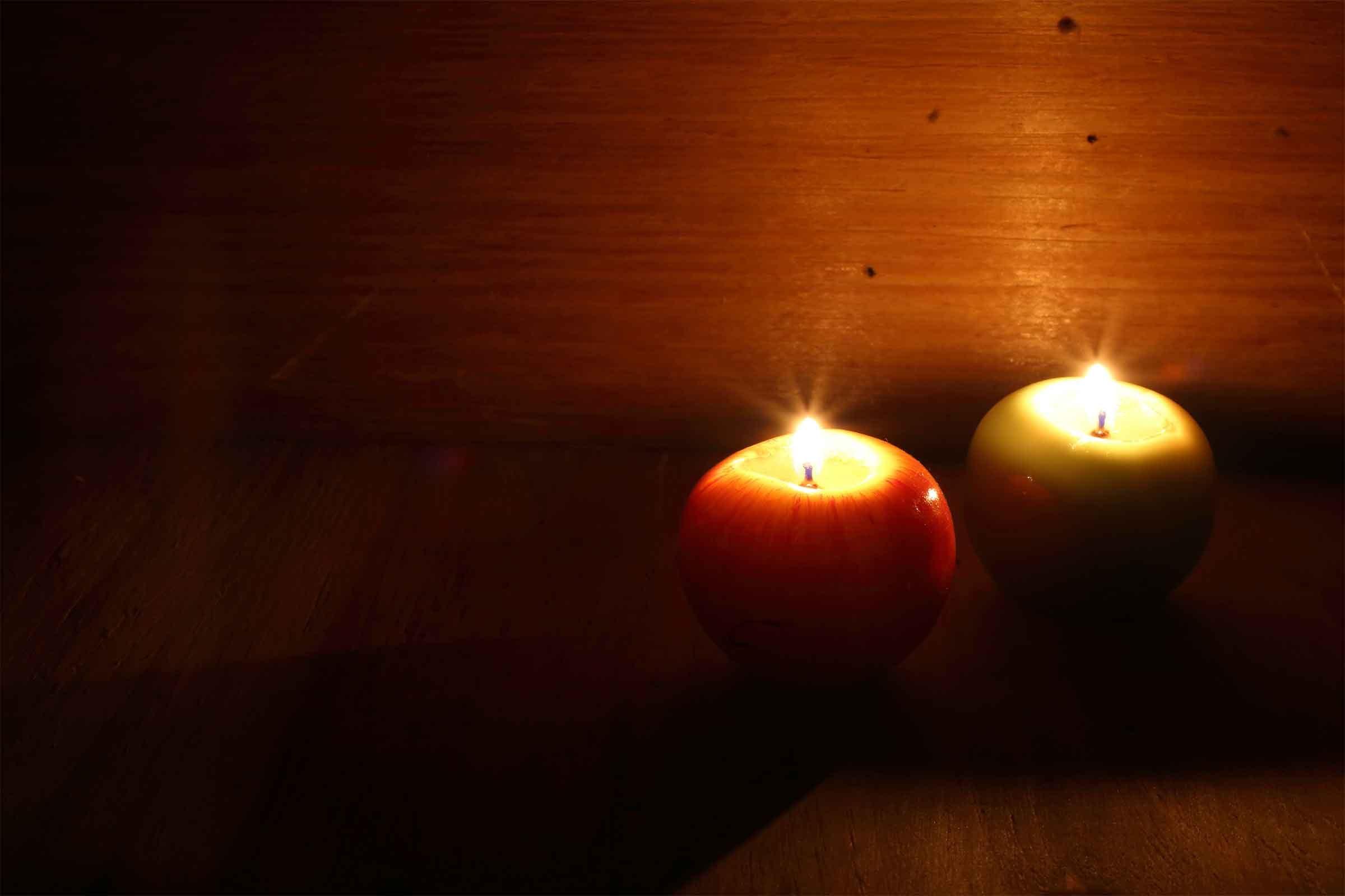 Make a cozy candlestick