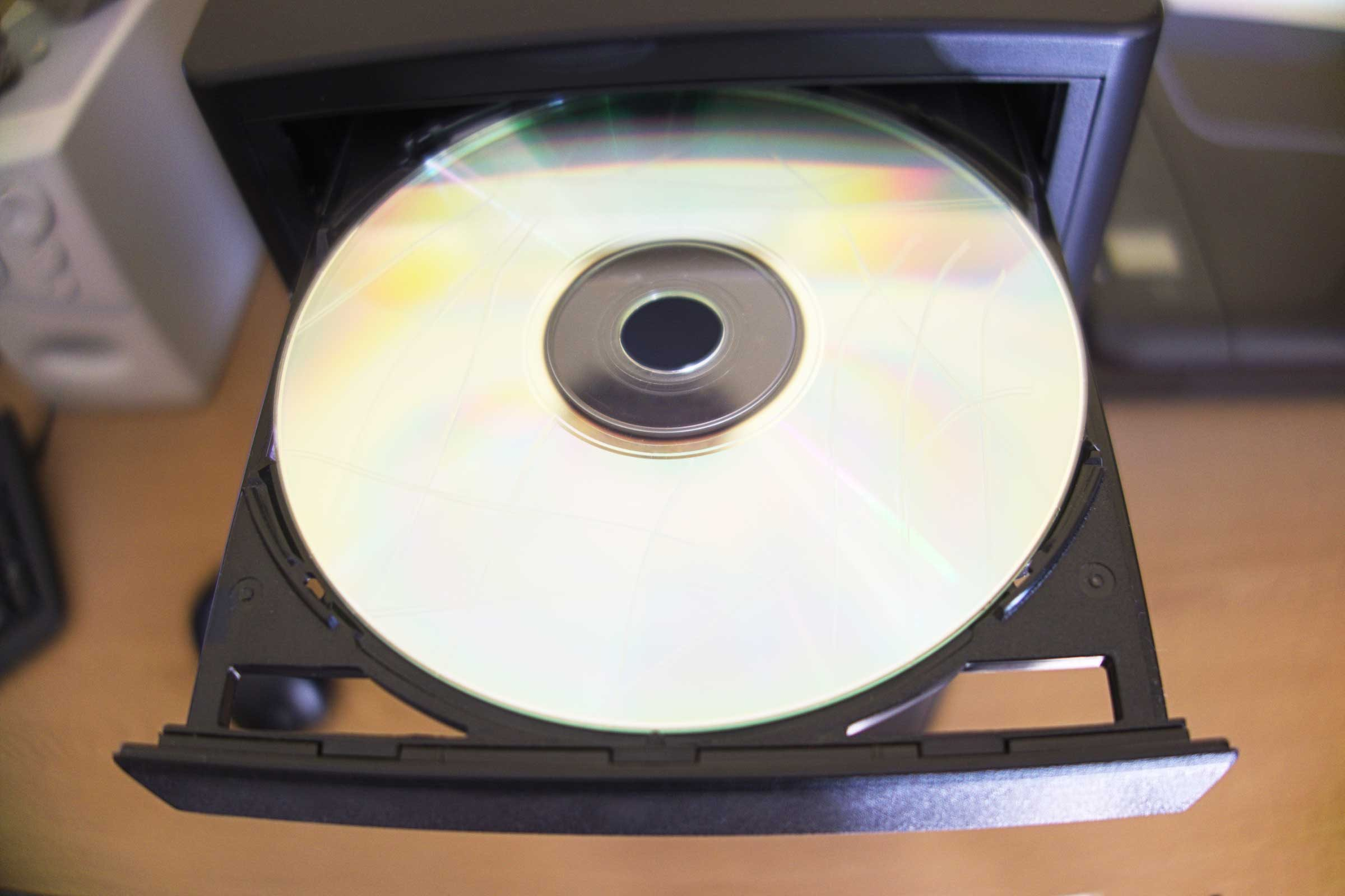 Prevent a scratched CD from skipping
