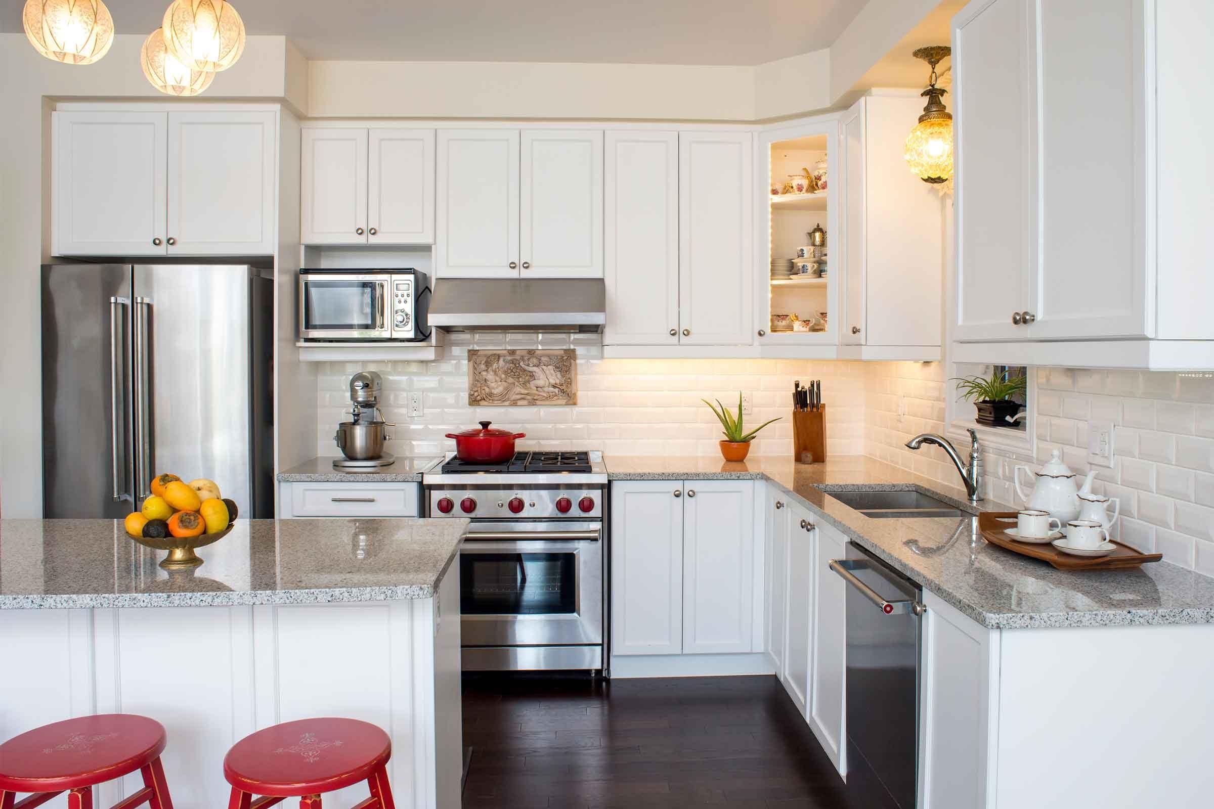 Kitchen design ideas that look expensive reader 39 s digest - Campanas de cocina rusticas ...