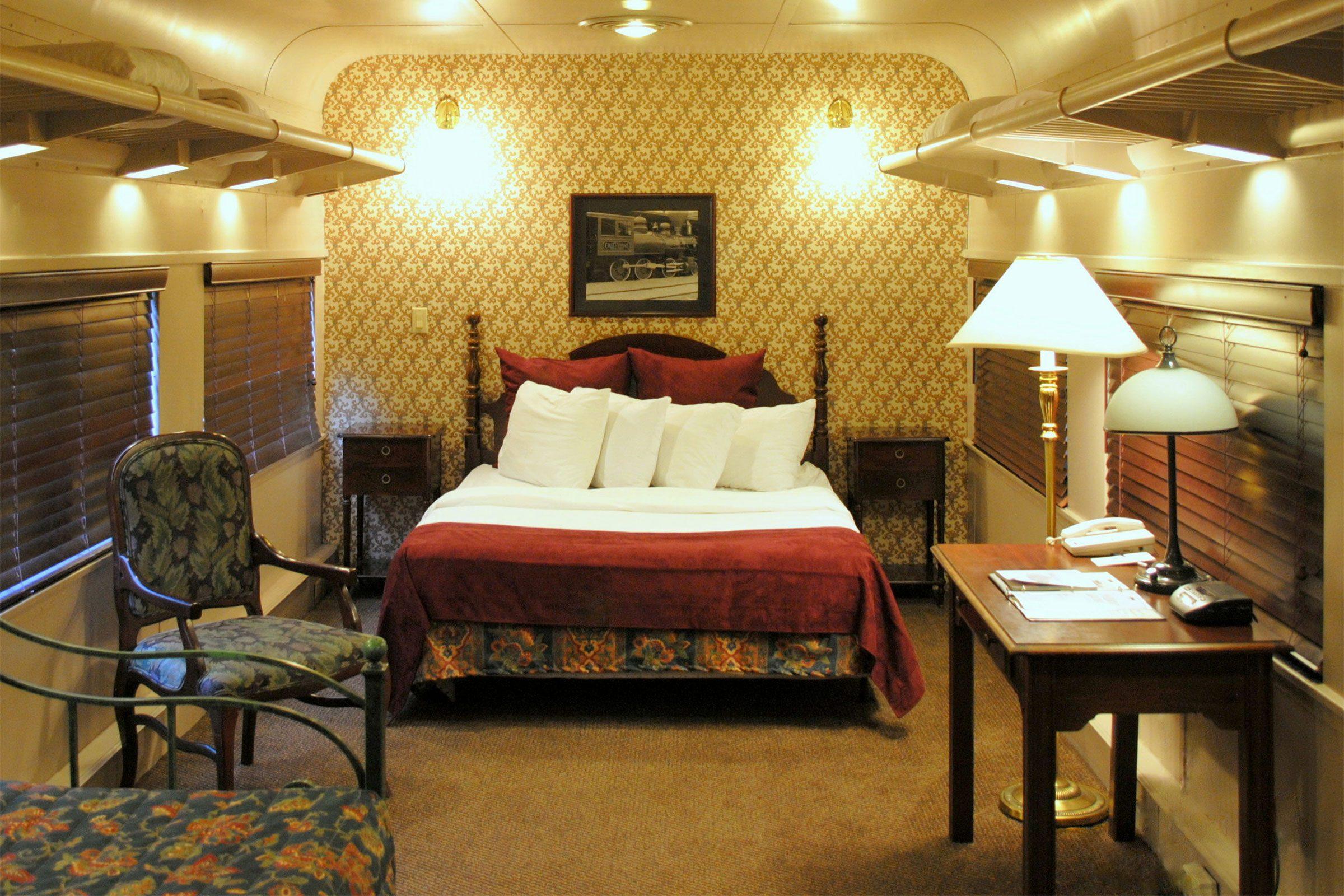 Unusual hotel rooms worth spending the night 64