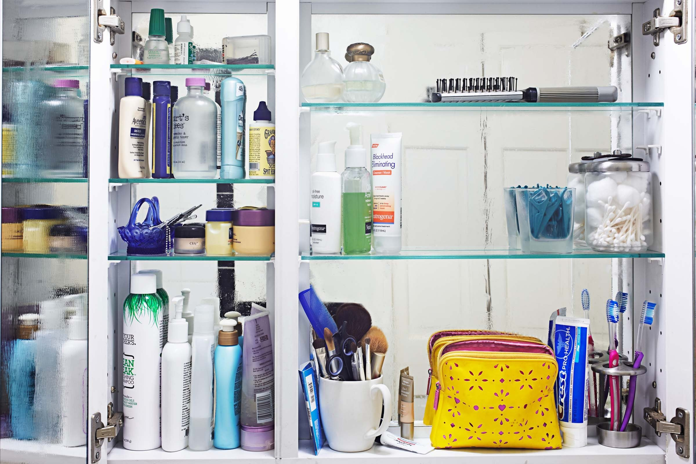 how to clean a bathroom fast | reader's digest