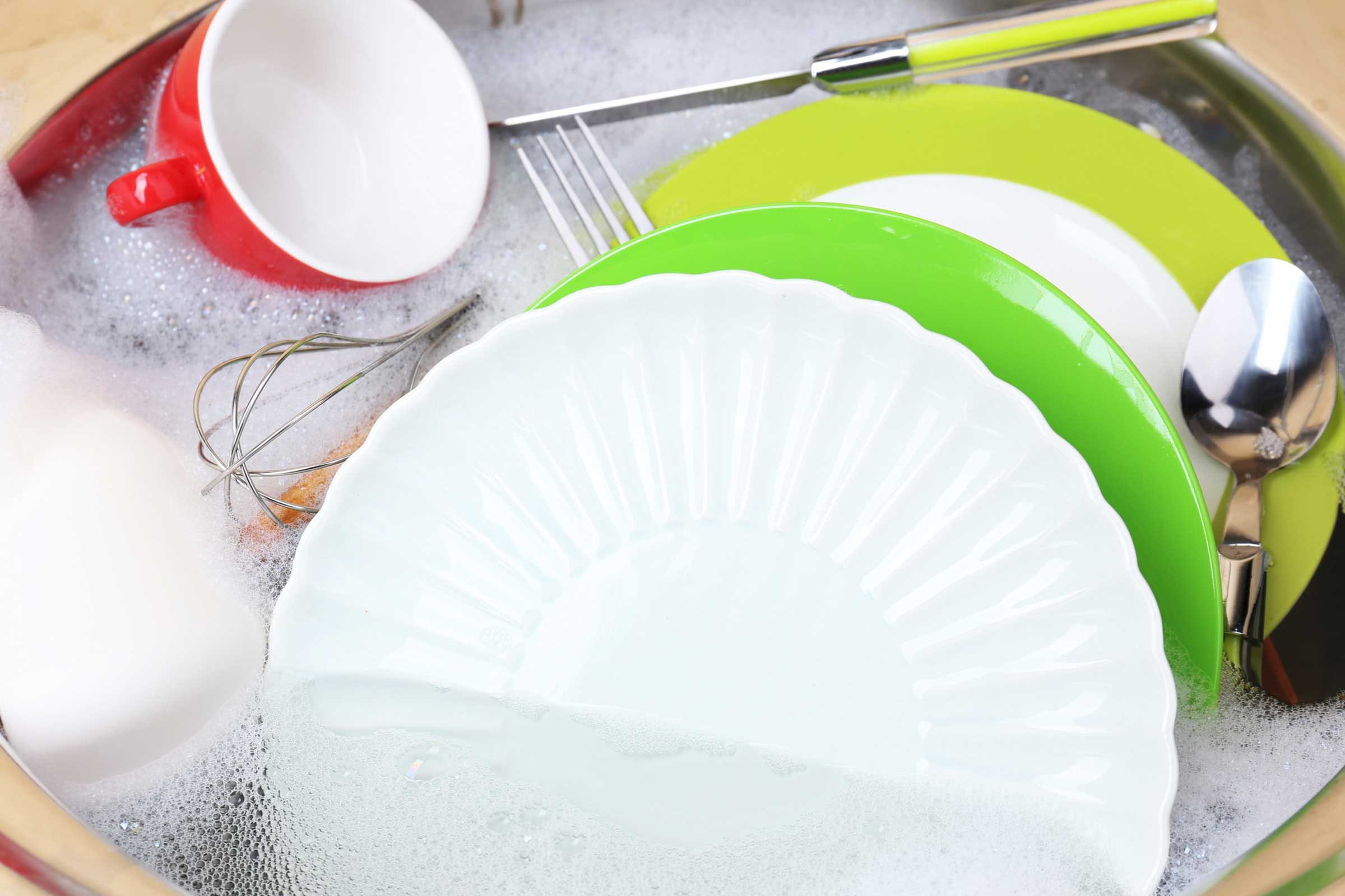 how to clean your kitchen fast | reader's digest