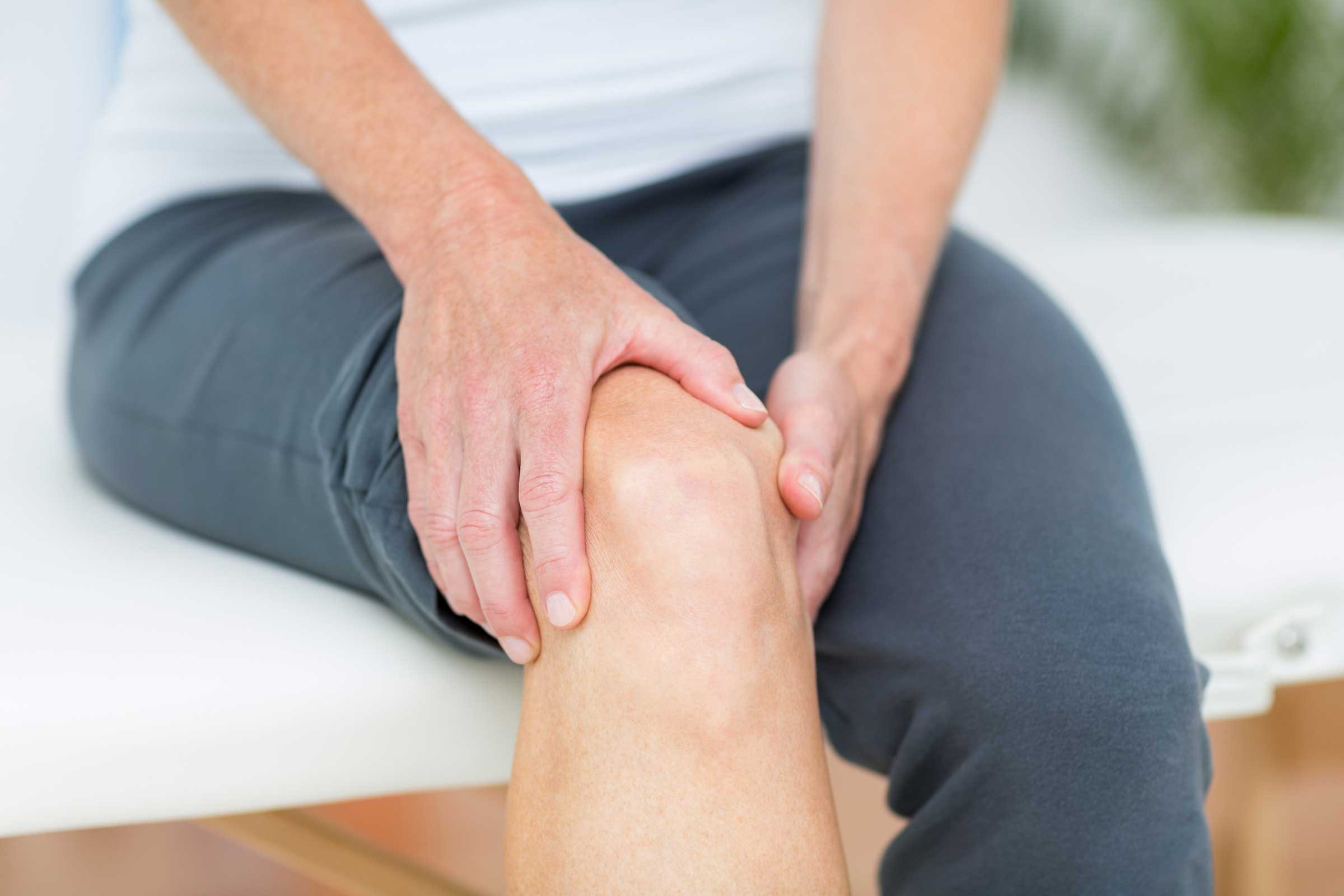7 Types of Leg Pain (and When to Take Them Seriously) | Reader's ...