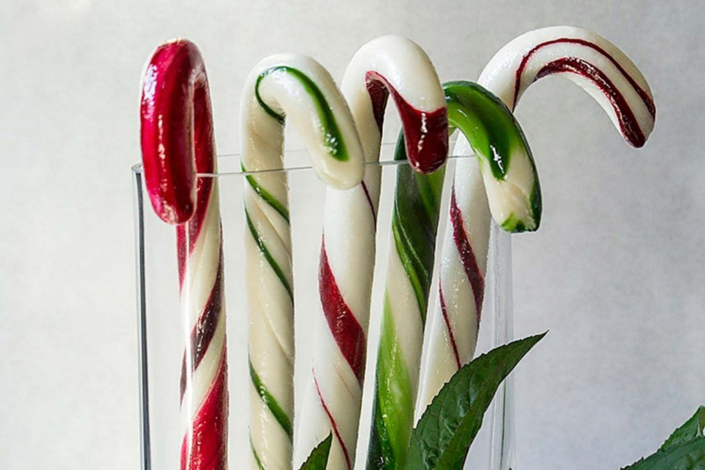 05-one-familys-homemade-mint-candles
