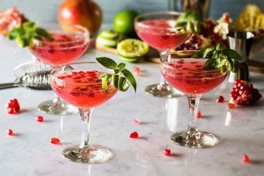 010_Cocktails_Tips_For_Svaing_when_eating_out