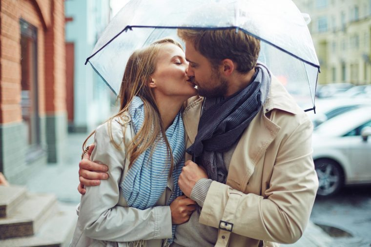 03-style-little-known-facts-about-kissing