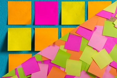 04-create-creative-things-you-can-do-with-a-sticky-note-176951617-Petoo