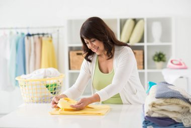 04_Laundry_Ways_To_Turn_Household_chores_To_workouts
