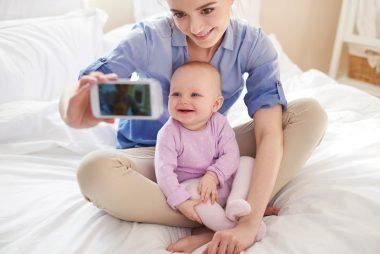 04_socialmedia_every_parent_set_for_babysitter