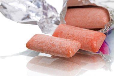 05_gum_foods_that_freshen_breath_immedietly