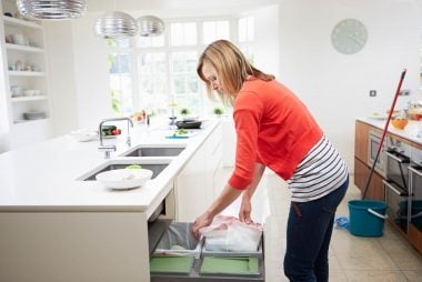 06_Trash_Ways_To_Turn_Household_chores_To_workouts