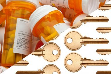 01-key-ways-to-reuse-or-recycle-a-pill-bottle