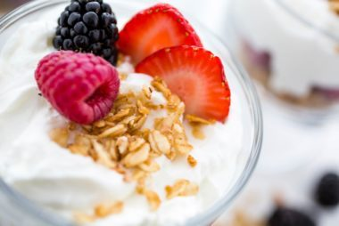 010_Yogurt_Immune_boosting_foods