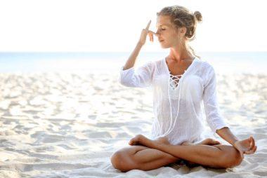 E ' in questi momenti, quando si guarda per attività come lo yoga, tai chi e meditazione per aiutarci a ritrovare il nostro equilibrio.