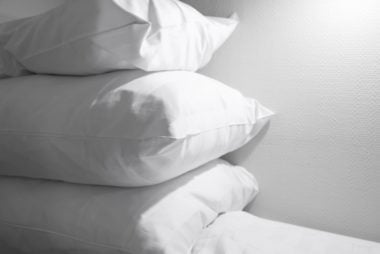 02_pillow_little_things_you