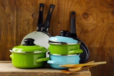 05-cookware-these-7-things-sale-superbowl-weekend