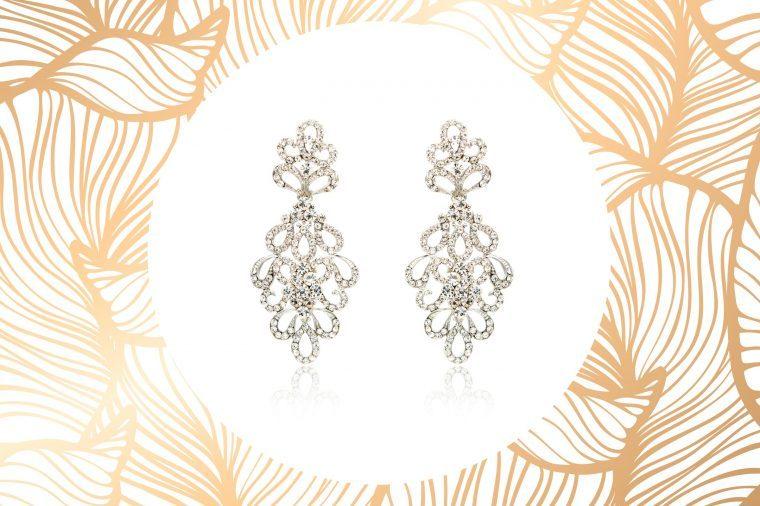 06-the-best-earrings-for-face-shape-507568459-Art-of-Life