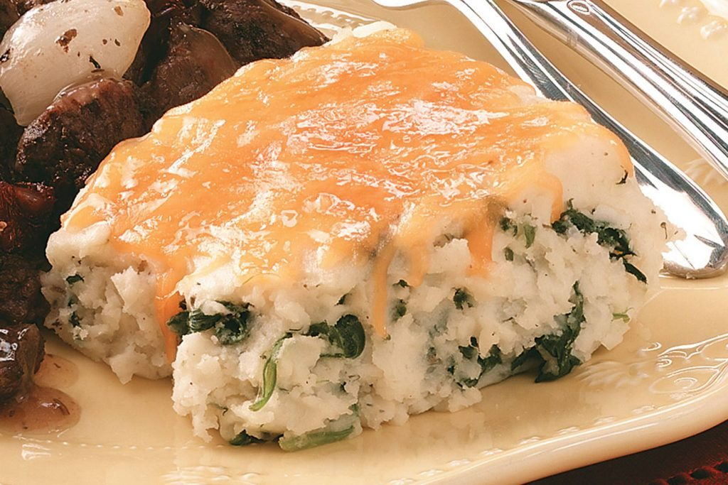 St.-Patrick's-Day-Recipes-MashedPotatoSpinachBake