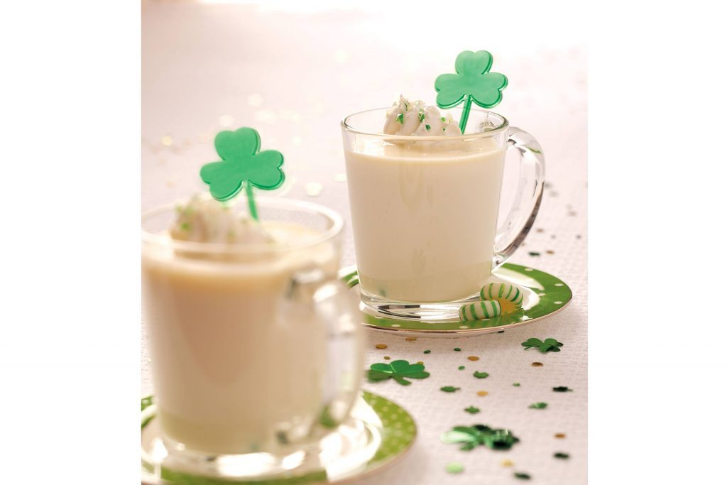 St.-Patrick's-Day-Recipes-PeppermintHotChocolate