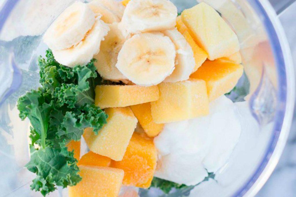 superfoods-smoothie-green-smoothie-Kristine's-Kitchen