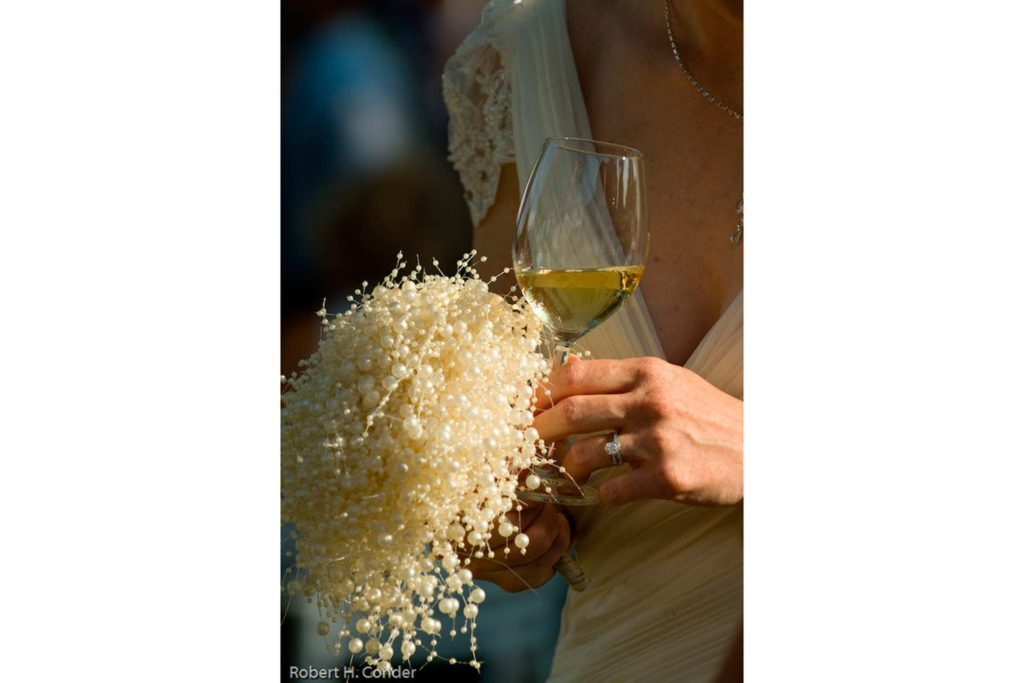 04-pearl-Wedding-Bouquets-that-Don't-Need-Flowers-to-Be-Gorgeous