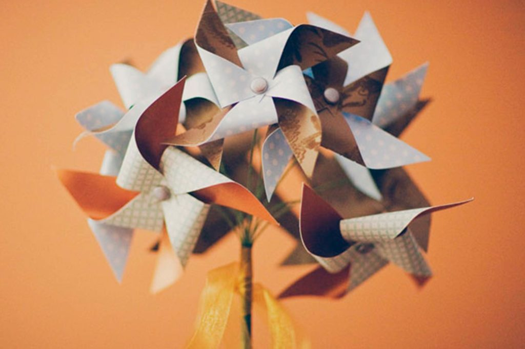06-pinwheel-Wedding-Bouquets-that-Don't-Need-Flowers-to-Be-Gorgeous