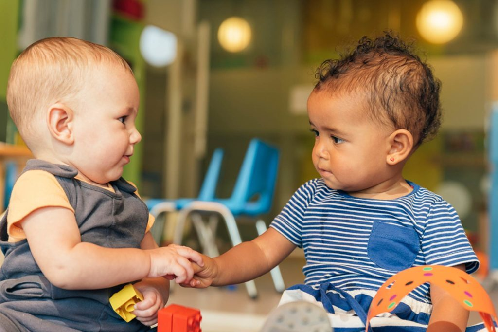 07-altruism-brilliant-ways-babies-smarter-543939718-santypan
