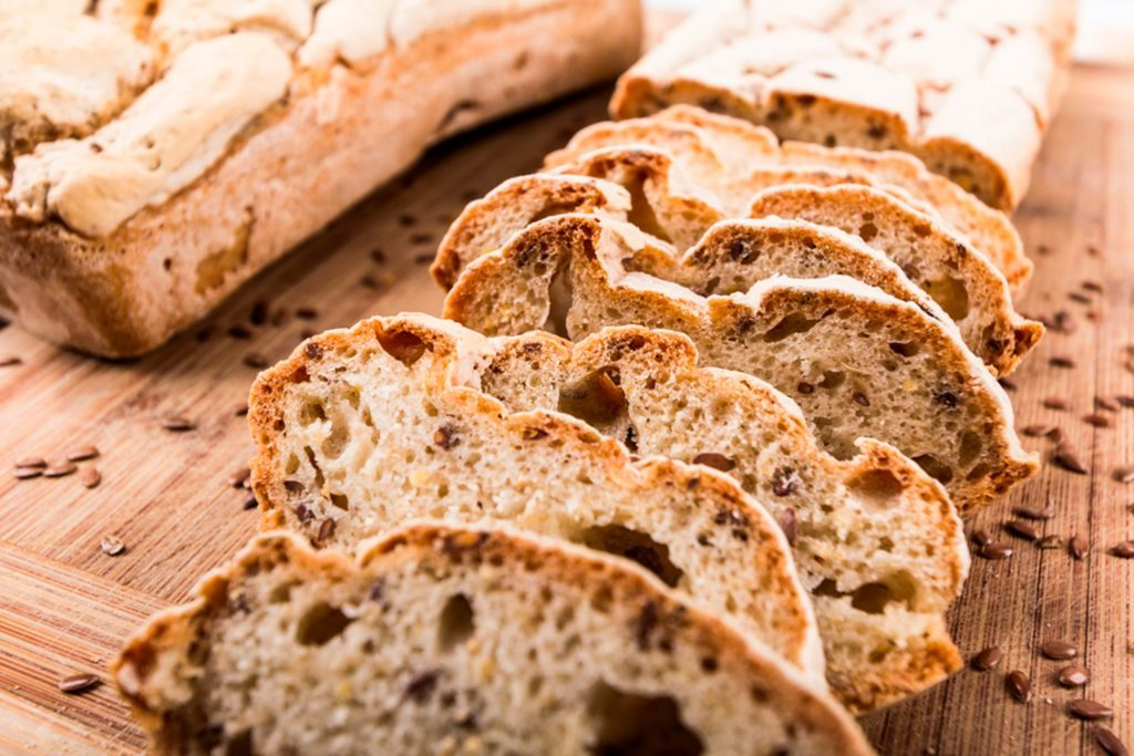 07-gluten-healthy-food-habits-you-should-drop-161133104-Katarzyna-Wojtasik