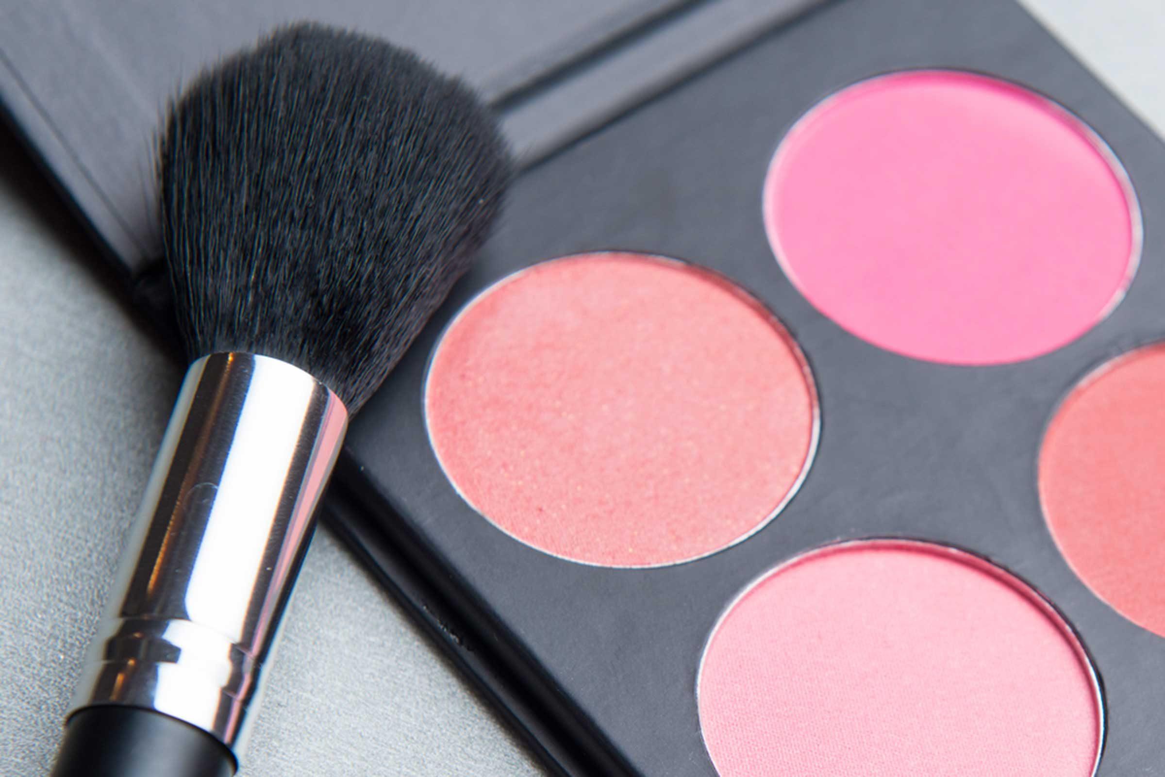 Beauté: Le maquillage donne une meilleure version de vous-même