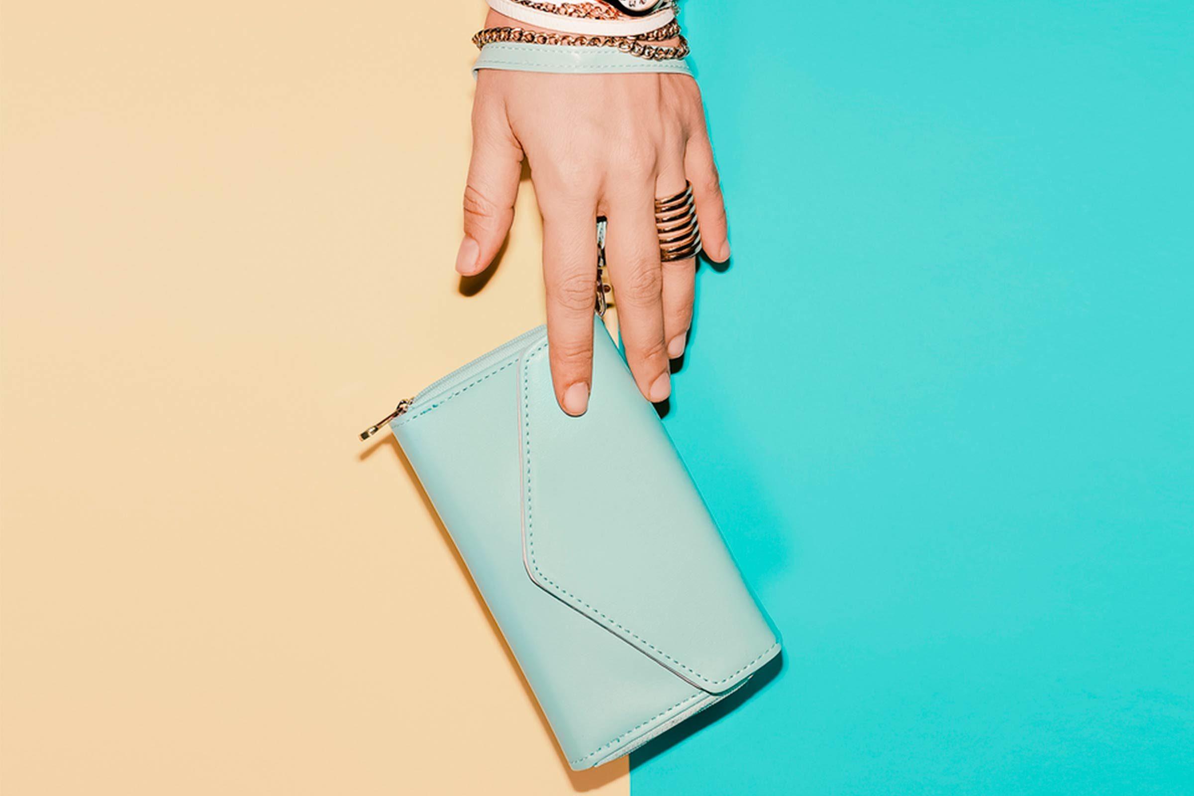 Désencombrez votre portefeuille pour éviter les problèmes de dos