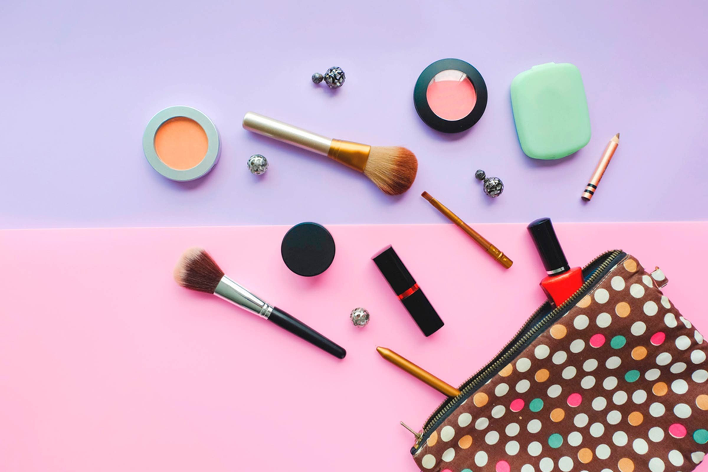 Moins de produits de beauté dans votre sac et moins de problèmes de dos