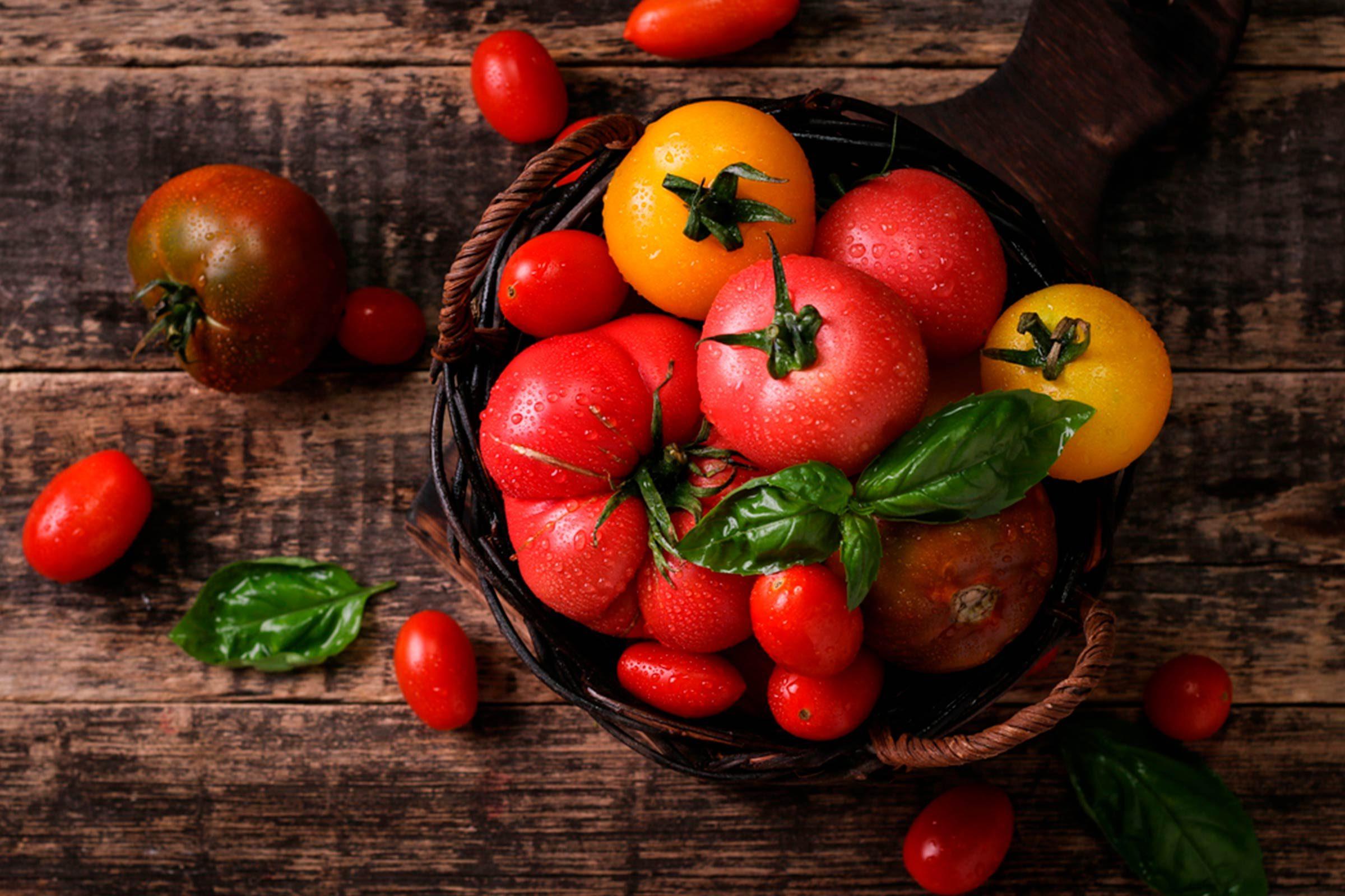 Utilisez des tomates, pour avoir une belle peau