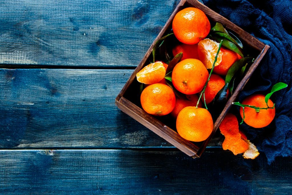 Eat-These-9-Foods-Daily-to-Remedy-Dry-Skin