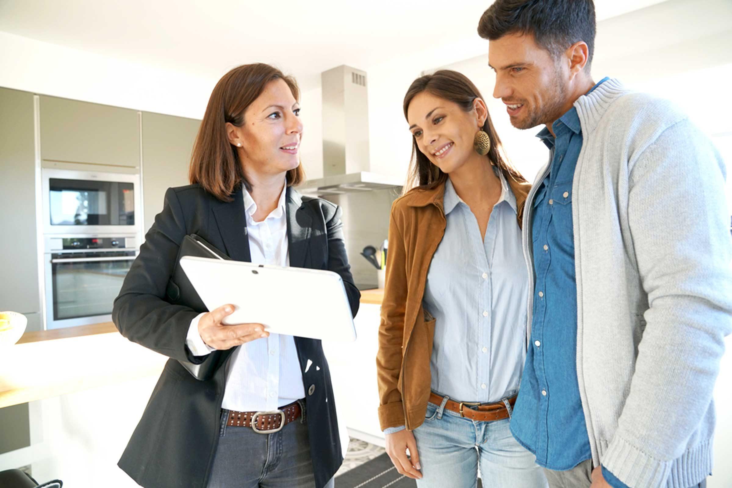 Courtier immobilier: Ne repoussez pas une offre qui vous parait basse.