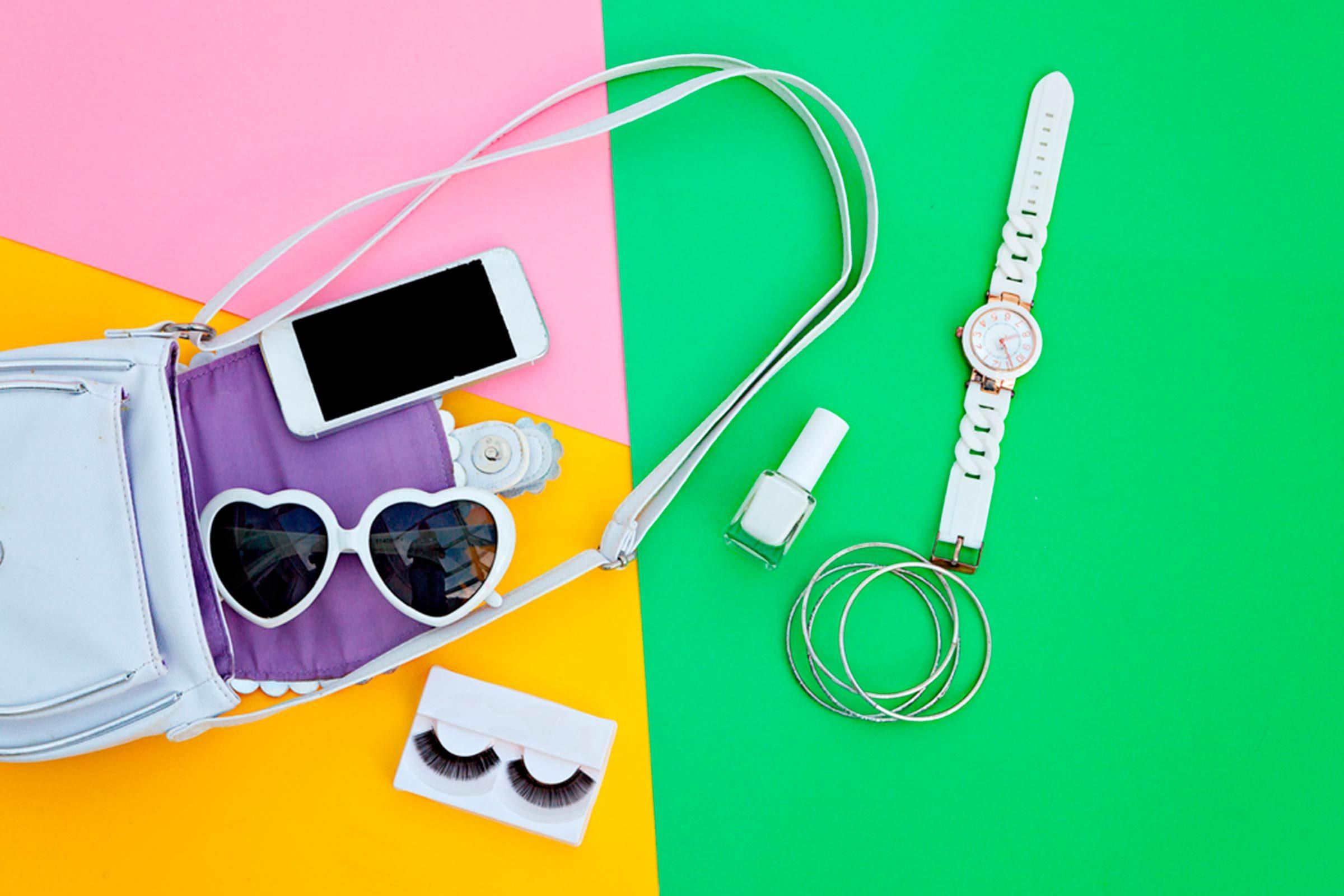 Simplifiez vos appareils électroniques dans votre sac, pour éviter les problèmes de dos