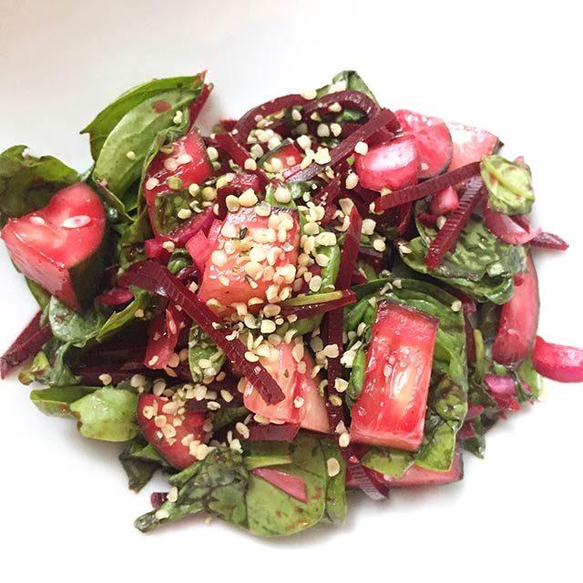 Idée de lunch santé: Salade de betteraves et épinards