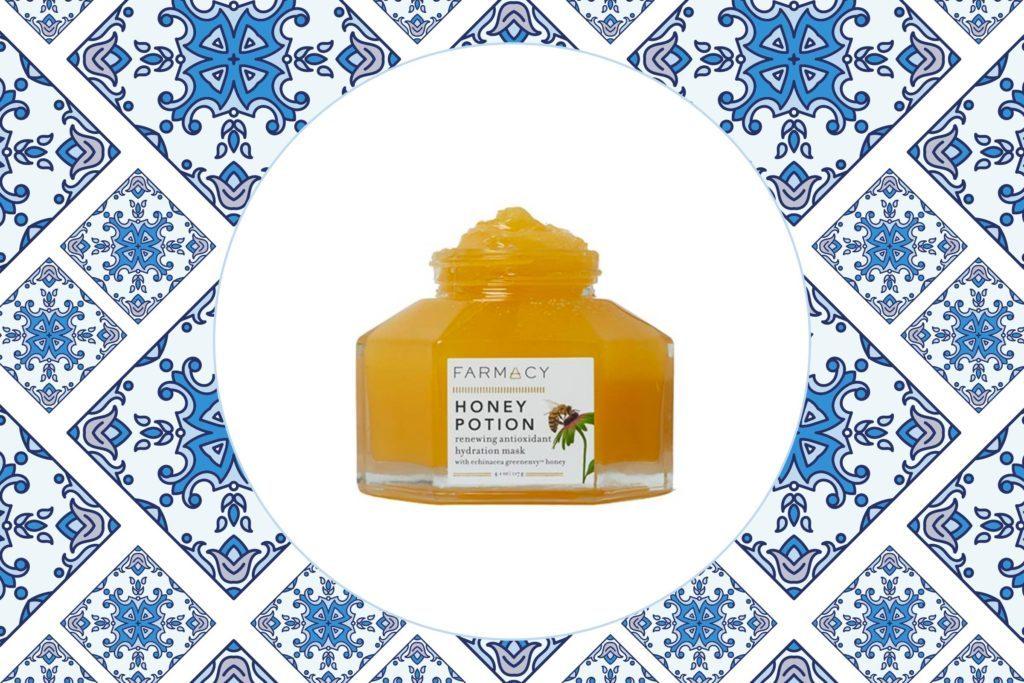09-The-Best-Face-Masks-For-Acne-Prone-Skin-582310003-Sirin_bird-via-farmacybeauty.com