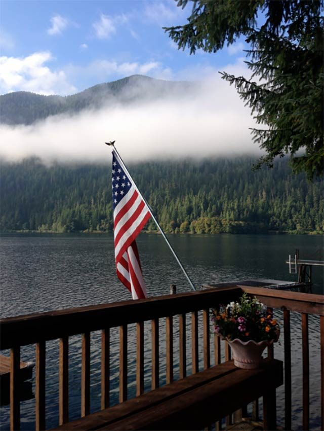18-Glorious-American-Flag-Photos-Guaranteed-to-Make-You-Feel-Patriotic-courtesy-Karen Jensen