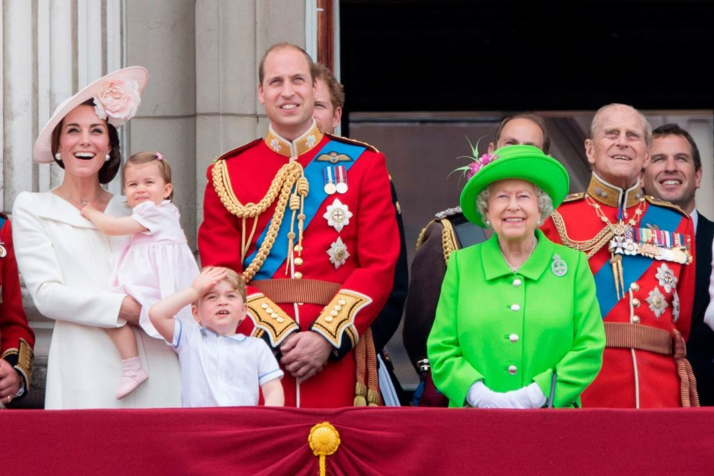 The-Real-Reason-Queen-Elizabeth-Wears-Neon-Outfits-All-the-Time-5725811bp-Tim-RookeREXShutterstock