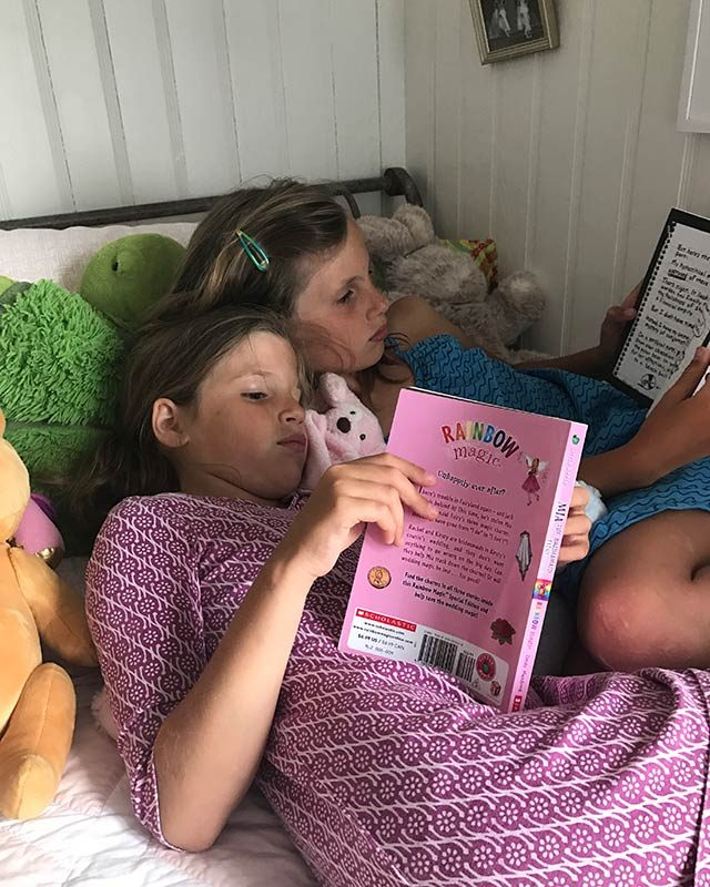 01-Simple-ways-i'm-teaching-my-kids-to-love-reading-courtey-Elizabeth-and-Gardner-Lane