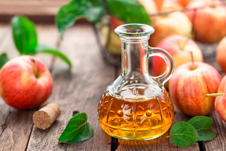 Use Apple cider vinegar to relief gas pain and stomach bloating