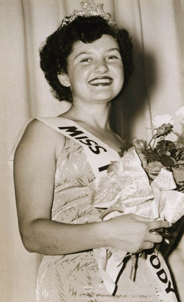 03-I-saw-an-article-about-beauty-contest-winners-Lowell-Collins