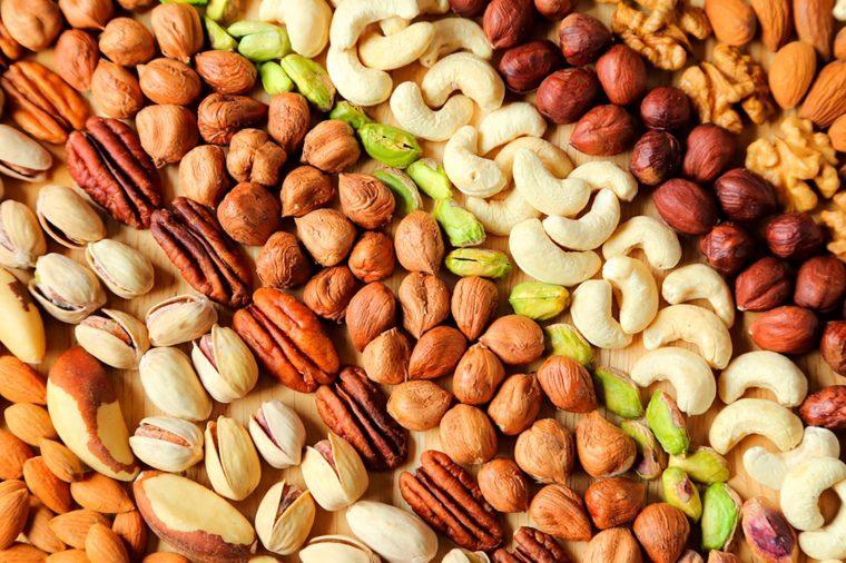 03-Ways-to-Eat-Healthy-for-Less-407297620-Krzysztof-Slusarczyk