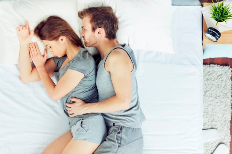 06-hot-Reasons That Married Couples Should Sleep in Separate Beds_262797089-Pressmaster