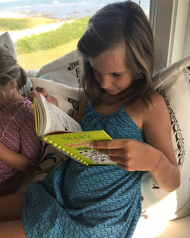 07-Simple-ways-i'm-teaching-my-kids-to-love-reading-courtey-Elizabeth-and-Gardner-Lane