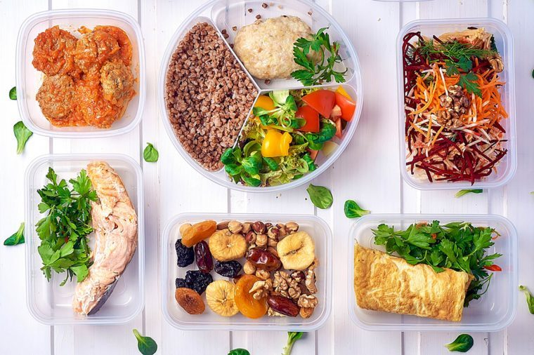 09-Ways-to-Eat-Healthy-for-Less-609739646-Vita-Sun