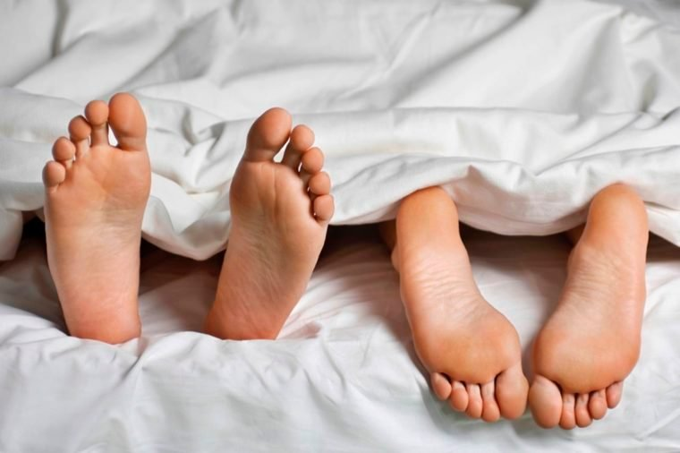 10-leg-Reasons That Married Couples Should Sleep in Separate Beds_519724345-sirtravelalot